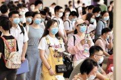 2100余人赶集现代制造业专场 武汉高校线下招聘会升温